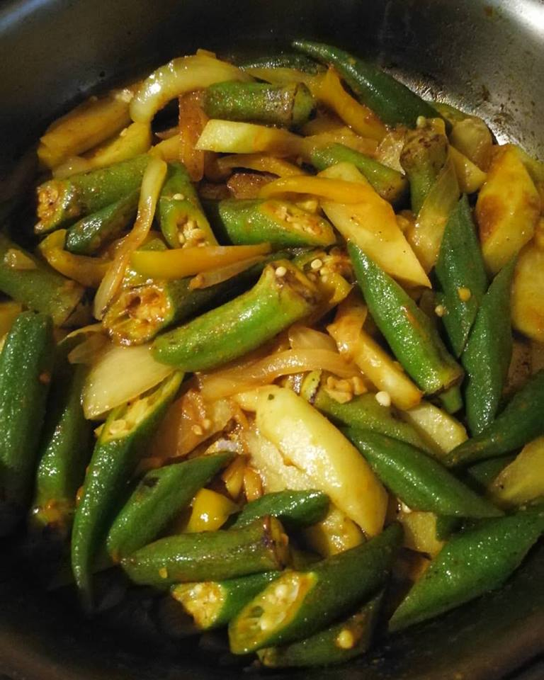 Okra and chayote curry